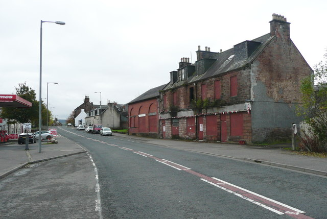 Derelict building on the A76 at New Cumnock