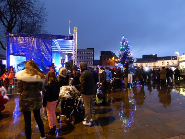 Hyde Christmas Lights SwitchOn 2017
