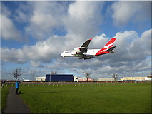 TQ0975 : The classic view of a plane landing seen from Myrtle Avenue by Marathon