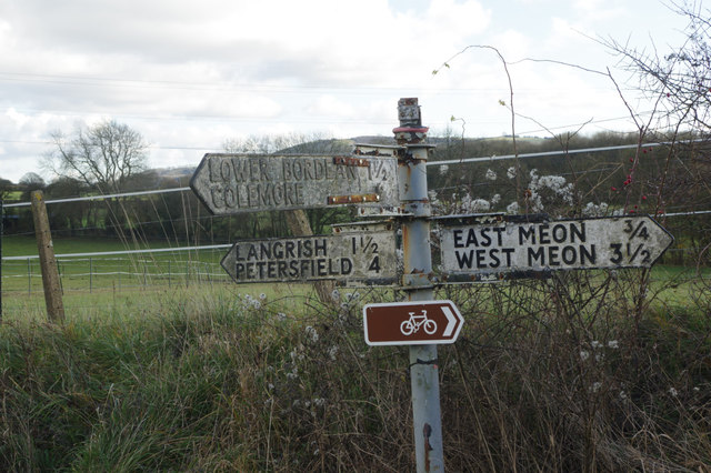 Signpost east of East Meon