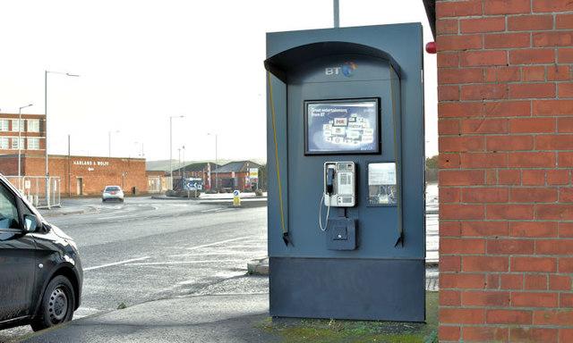 Public telephone, Sydenham Road, Belfast (December 2017)