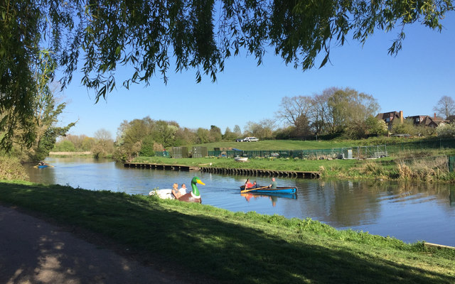 Boating on a sunny spring Saturday afternoon, St Nicholas Park, Warwick
