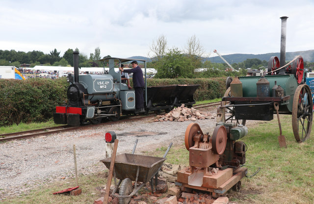 Welland Steam Rally - road-making display