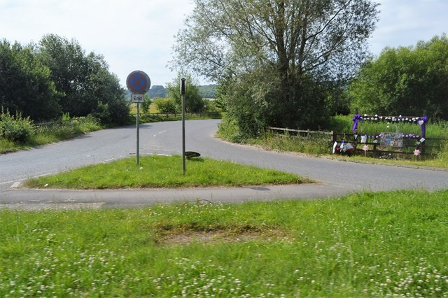 Access road off the A40