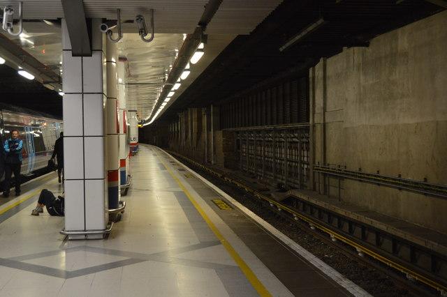 Cannon Street Station - platform 1