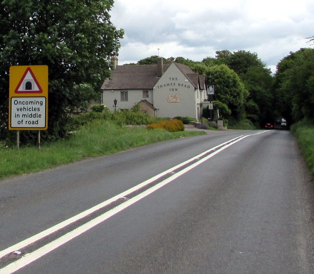 Oncoming vehicles in middle of road warning sign on the A433 towards Cirencester