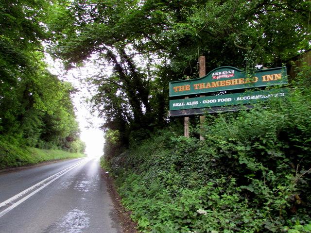 Thameshead Inn name sign facing the A433