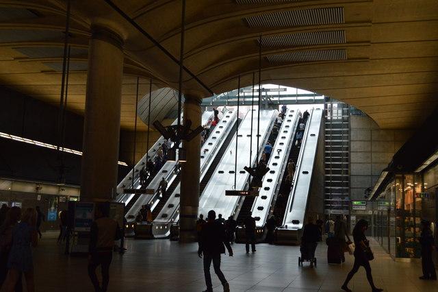 Escalators, Canary Wharf Underground Station