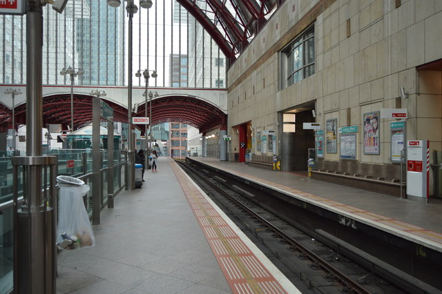 Canary Wharf DLR Station
