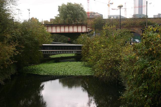 Bridges across the Wandle