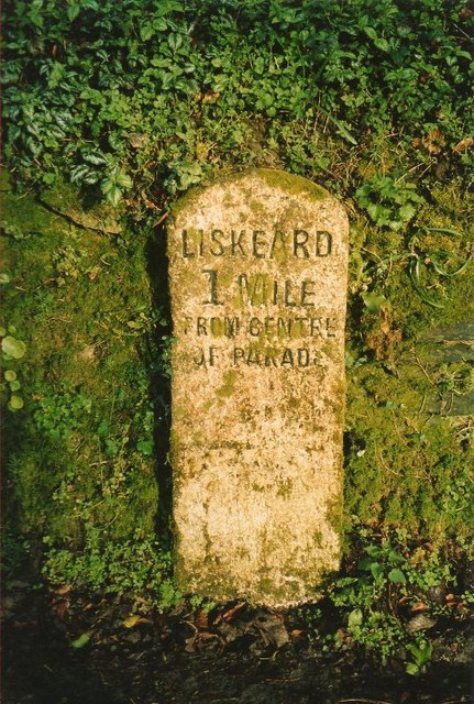 Old Milestone by the unclassified road, near Woodhill Manor