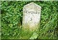 SW8657 : Old Milestone by Ian Thompson