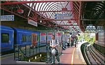 SU6400 : Portsmouth & Southsea station, High Level  platforms, 2008 by Ben Brooksbank