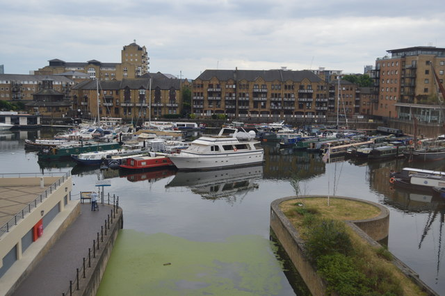 Regent Canal enters Limehouse Basin
