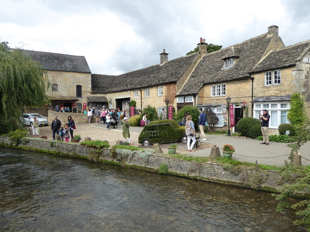 Bourton on the Water - motor museum