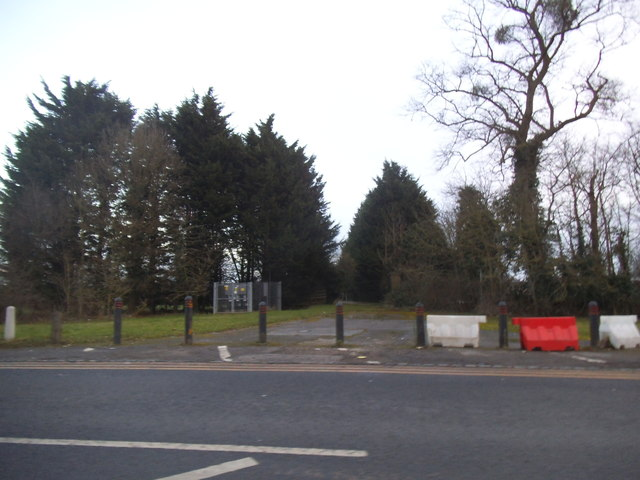 Path by Wexham Park Hospital