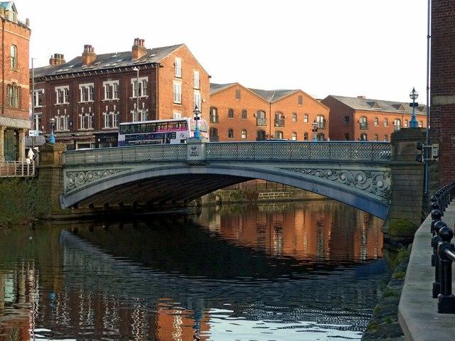 0854149789ab0 Leeds Bridge © Alan Murray-Rust :: Geograph Britain and Ireland