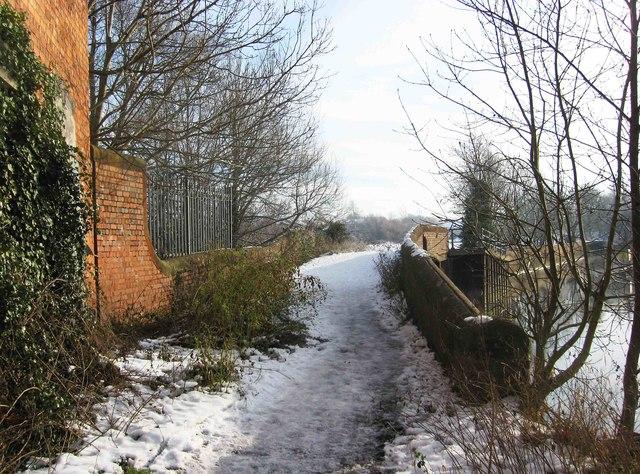 Snow covered bridge over the River Stour, Stourport-on-Severn