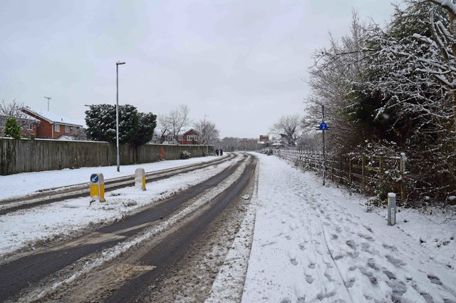 Snow in Discovery Road, Stourport-on-Severn