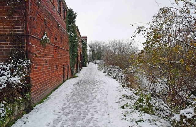Snow on the Severn Way, Stourport-on-Severn