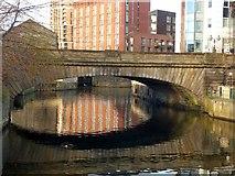 SE2933 : Victoria Bridge by Alan Murray-Rust