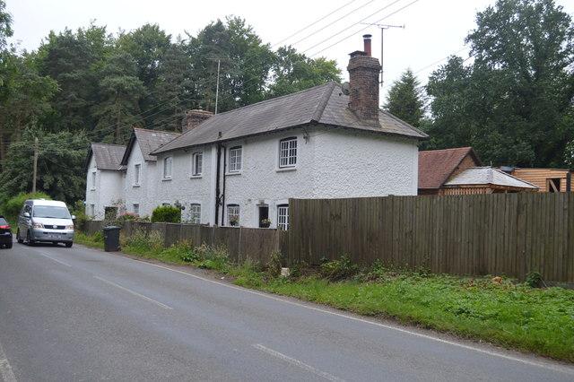 Cottages, Haywards Heath Rd
