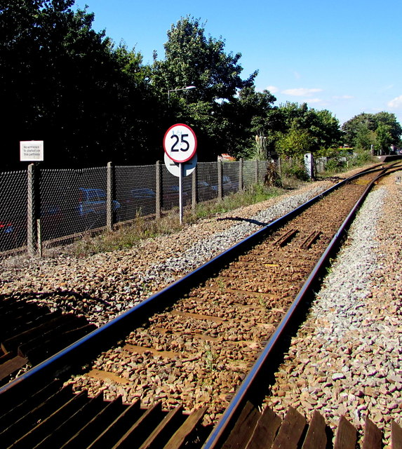 25 mph speed limit on the approach to Topsham railway station