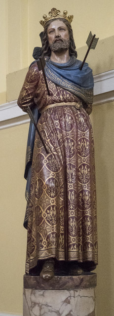 St Edmund, Bury St Edmunds - Statue