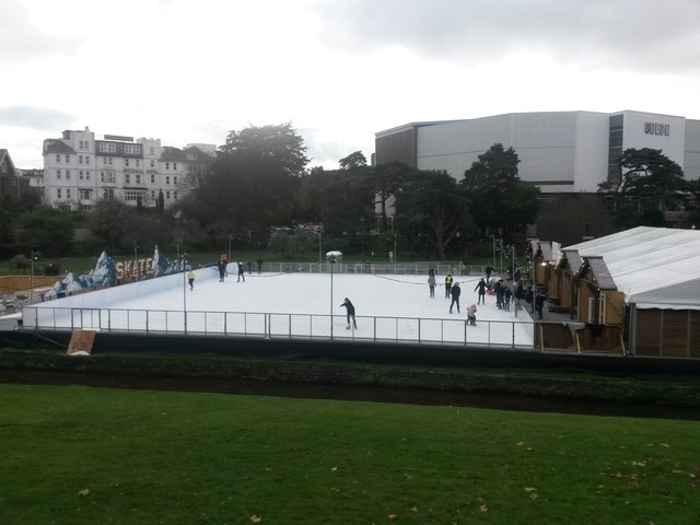 Bournemouth: the winter ice rink is bigger in 2017