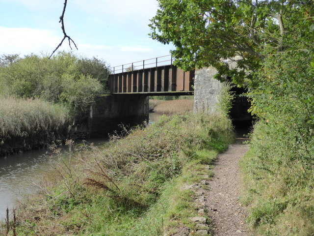Railway bridge over the path alongside the River Teign