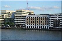 TQ3280 : London Bridge Hospital by N Chadwick