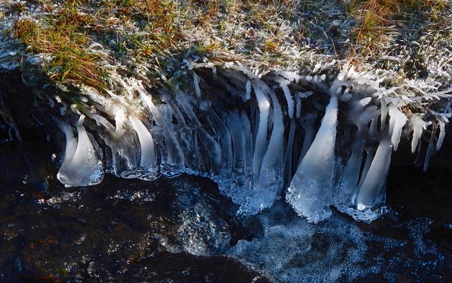 Ice formations in the Murroch Burn