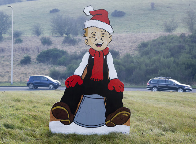 A festive Oor Wullie at Tweedbank Roundabout