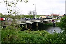 TQ3785 : Eastway Bridge, River Lea (or Lee) by David Kemp
