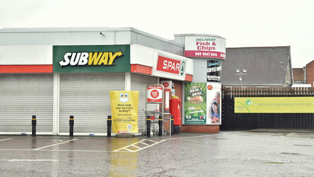 Spar and BP, Ballyhackamore, Belfast  - December 2017(2)