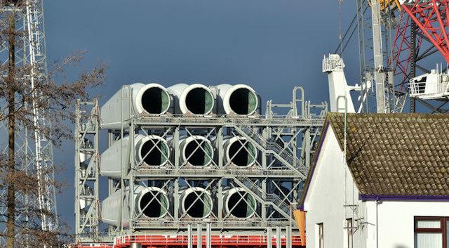 Wind turbine blades, Belfast harbour - December 2017(2)