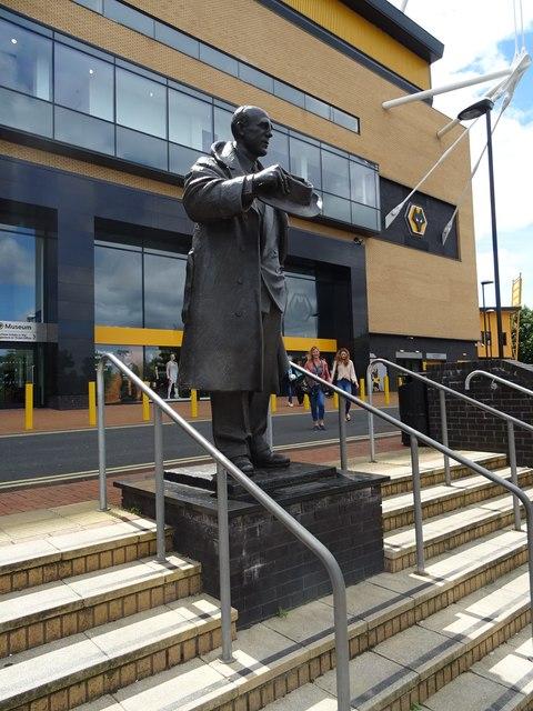 Stan Cullis Statue