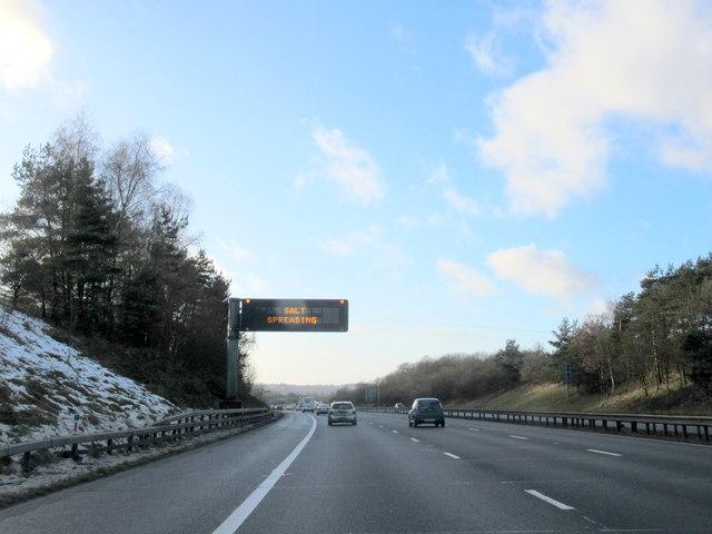 M42 Westbound Salt Spreading Warning Sign