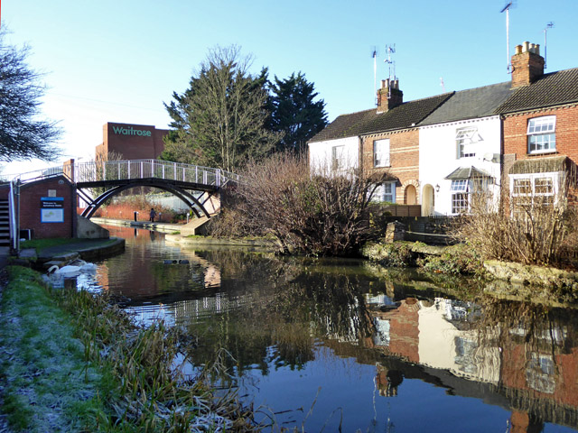 Bridge 19, Aylesbury Arm, Grand Union Canal