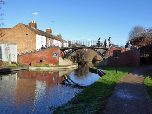 Bridge 19, Aylesbury Arm, Grand Union Canal