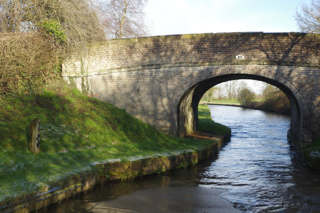 Bridge 18, Middlewich Branch Canal