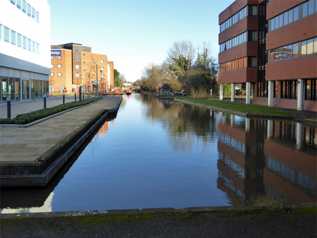 View from end of Aylesbury Arm, Grand Union Canal