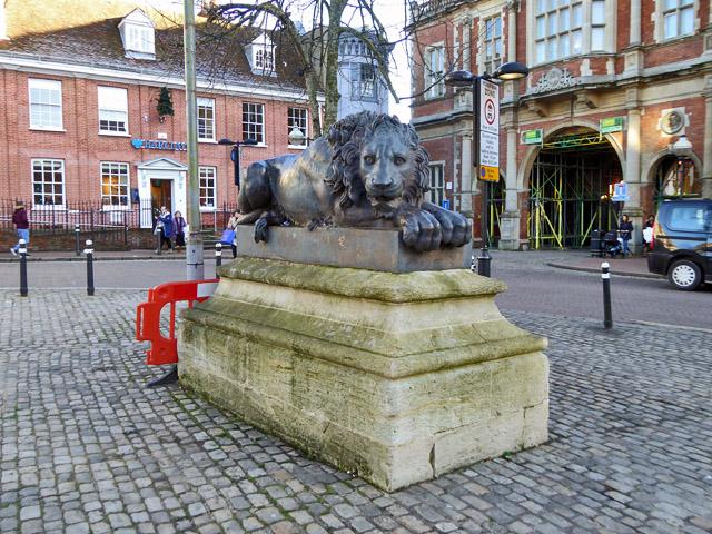 Lion, Aylesbury Market Square