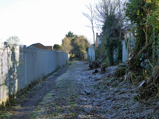 Footpath from Northern Road to Buckingham Road, Aylesbury