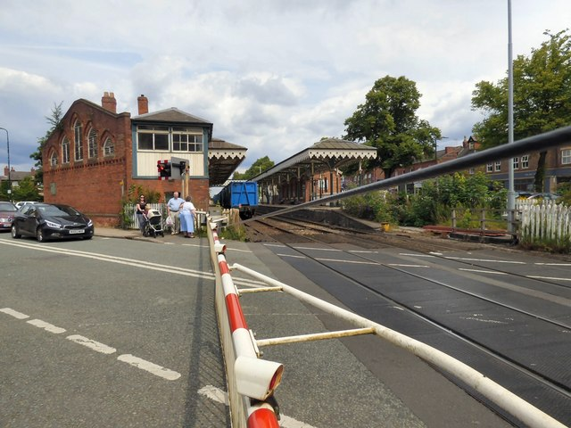 Hale Level Crossing
