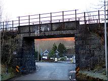 NN3825 : Railway bridge in Crianlarich by Thomas Nugent