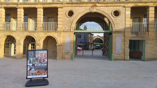 Southern gate into the Piece Hall, Halifax