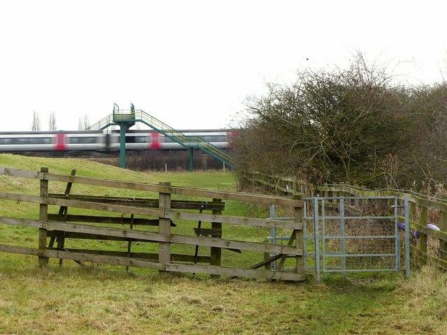 Kissing gate and footbridge