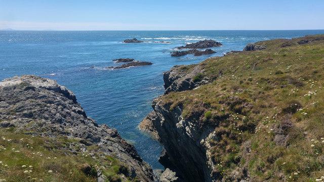 Geo near Ynysoedd y Ffrydiau, Holy Island, Anglesey