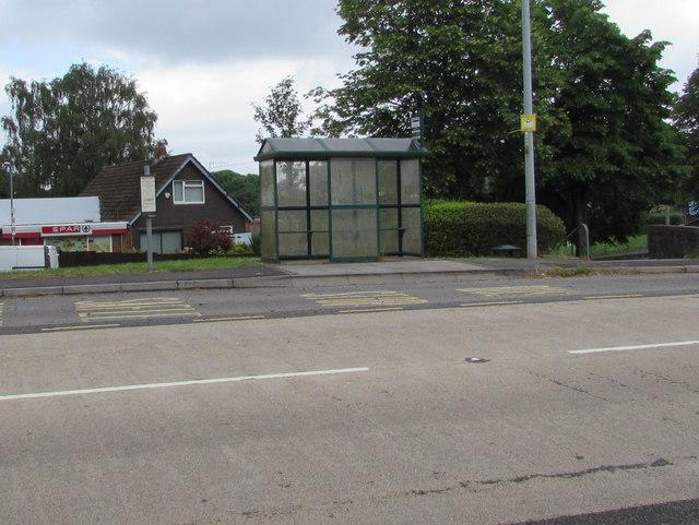 Bus stop and shelter near Spar, Penperlleni